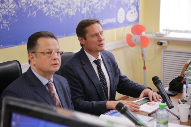 Директор Департамента животноводства и племенного дела Минсельхоза Владимир Лабинов (справа).