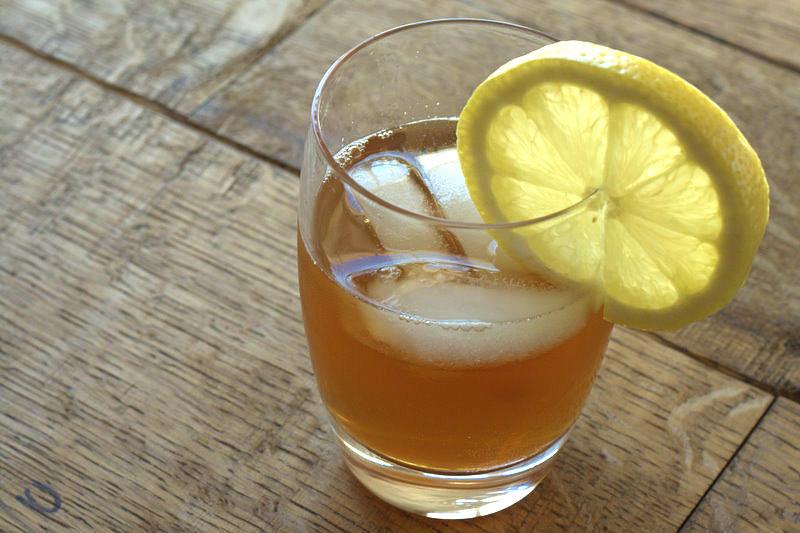 Освежающий напиток на основе чайного гриба